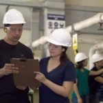 工場職、製造業への転職。メリット・デメリットや仕事内容は?