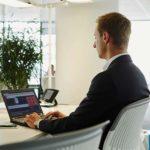職場で友達ができない・・会社で孤立する人の理由や原因、対処法について